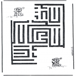 Crafts - Dog labyrinth