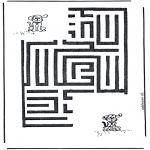 Crafts - Dog labyrinth