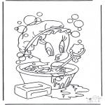 Comic Characters - Tweety in bath
